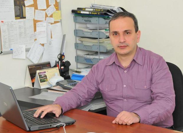 Oxu.az - Samir Əliyev manatın taleyi ilə bağlı proqnoz verdi
