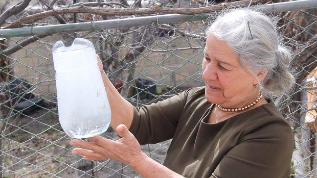 Tərkibindəki minerallar suyun rəngini dəyişir - VİDEO