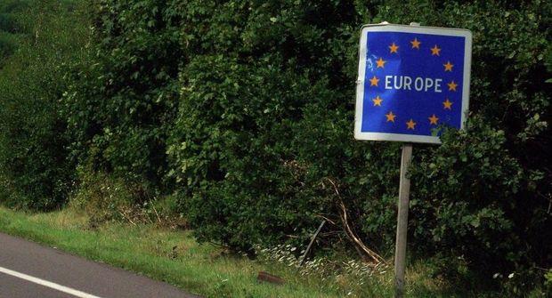 Avropa İttifaqı sərhədlərini bağlayır
