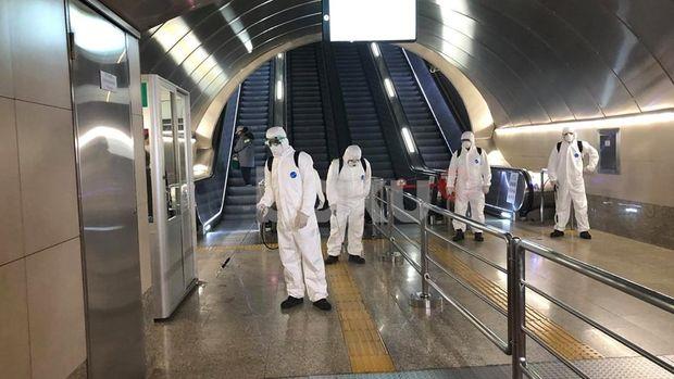 Bakıda dörd metro stansiyası dezinfeksiya edilib - FOTO/VİDEO