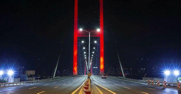 İstanbul küçələri boş qaldı - FOTO