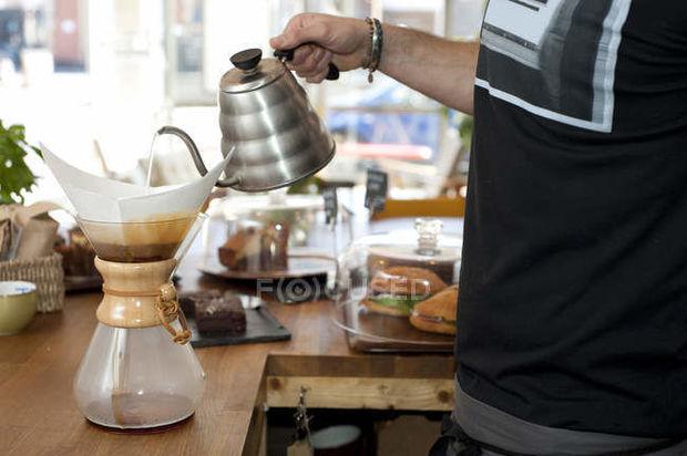 İsveçli alimlər: Süzgəcdən keçirilmiş kofe ömrü uzadır