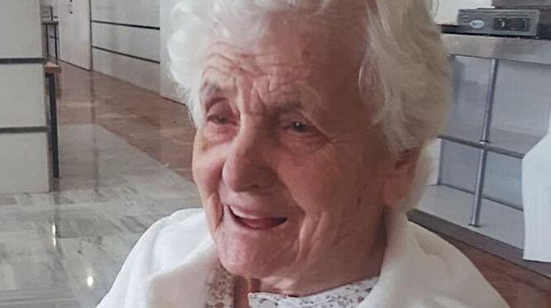 """106 yaşlı qadın """"ispan qripi""""ndən sonra koronavirusa da qalib gəldi"""