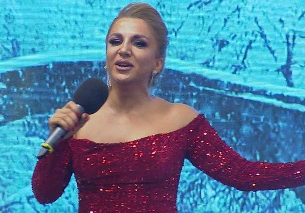 Azərbaycanlı müğənni gözəlləşmək üçün bıçaq altına uzandı - FOTO