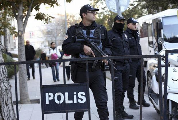 Türkiyədə terrorçularla atışmada iki polis əməkdaşı həlak olub