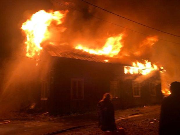 Yaşayış evində yanğın: Altı nəfər diri-diri yandı - VİDEO