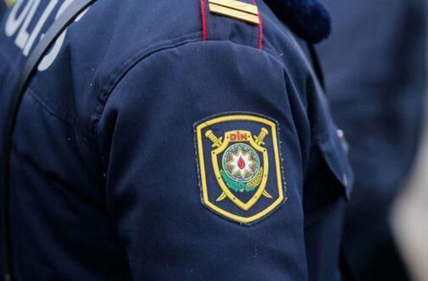 Azərbaycanda polis bıçaqlandı