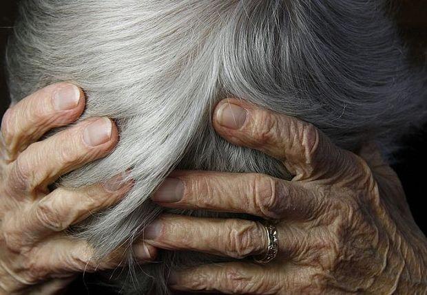 Gəncə sakini 85 yaşlı anasını döydü