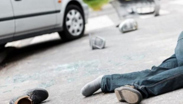 Göyçayda avtomobil piyadanı vurub öldürdü