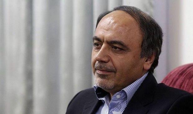 İran prezidentinin müşaviri istefa verdi