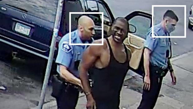 Corc Floydu öldürən polislərdən biri azad edildi
