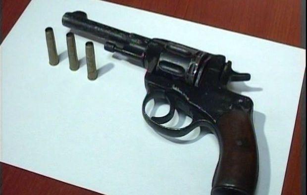 Bakıda keçmiş məhkumdan silah aşkarlandı