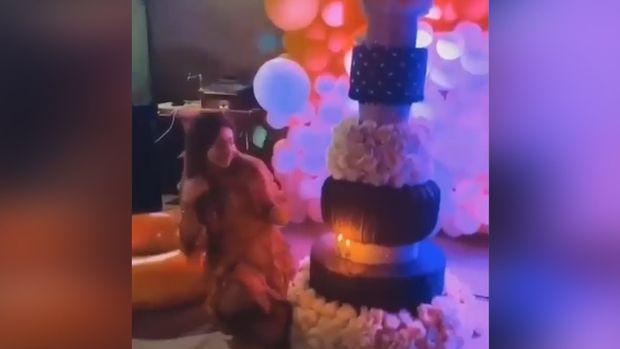 Məmur övladı karantin günlərində özünə doğum günü təşkil etdi - VİDEO