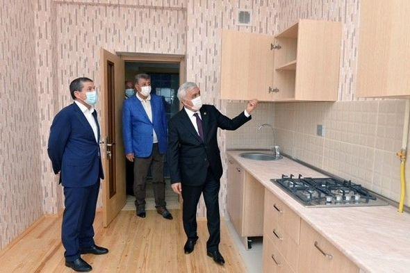 SOCAR обеспечивает нефтяников новыми квартирами - ФОТО