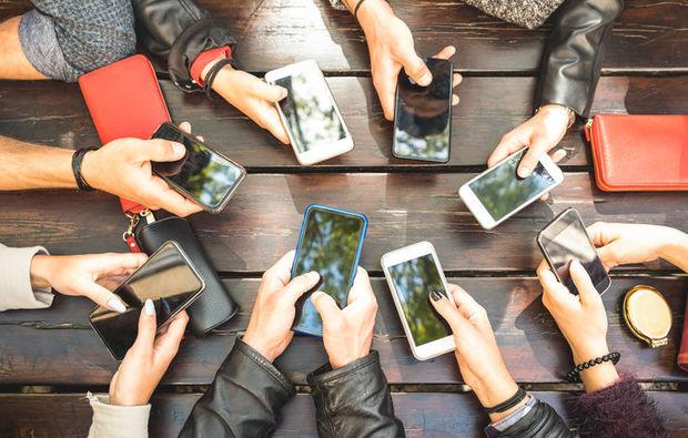 """Mütəxəssisdən smartfonların """"ömrü"""" barədə gözlənilməz açıqlama: """"Bu rekorddur..."""""""