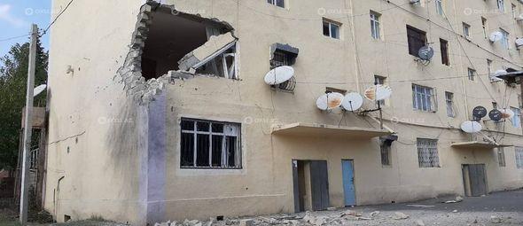 Кадры пятиэтажного жилого дома в Тертере, пострадавшего в результате вражеского обстрела - ФОТО
