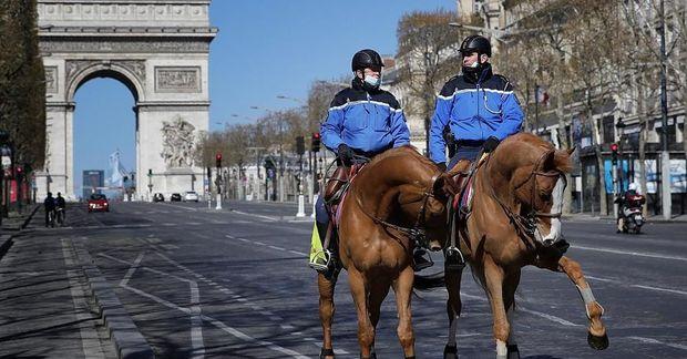 Fransada komendant saatı tətbiq olundu