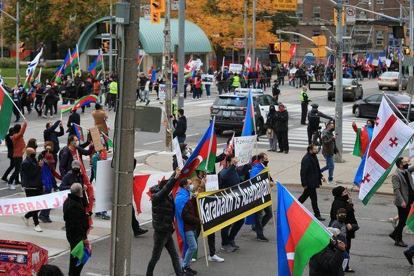 Канадское издание The Star о протесте азербайджанцев в связи с армянской оккупацией - ФОТО