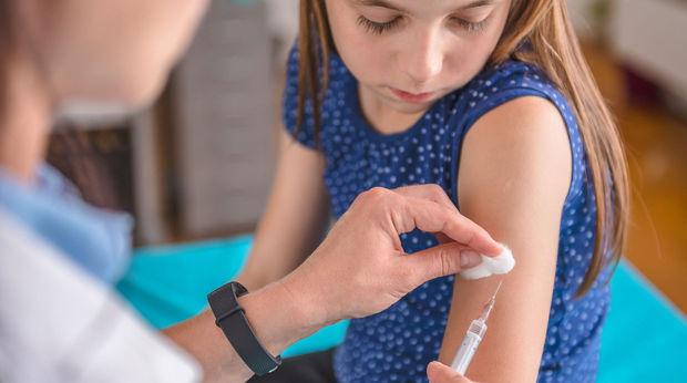 Avropa uşaqların və yeniyetmələrin vaksinasiyasına hazırlaşır