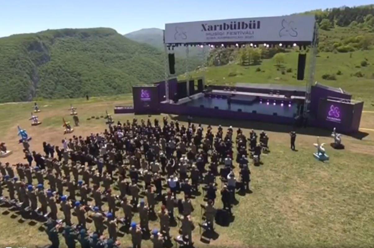 """Oxu.az - """"Xarı bülbül"""" musiqi festivalı keçirilib - VİDEO"""
