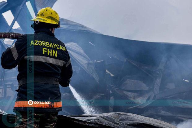 Bakının Suraxanı rayonunda məişət tullantıları yanıb